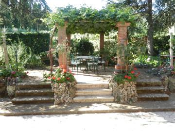 Summer Pergola, Casale Sonnino