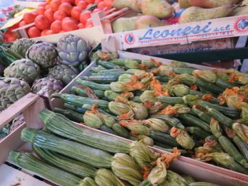 Zucchini and artichokes
