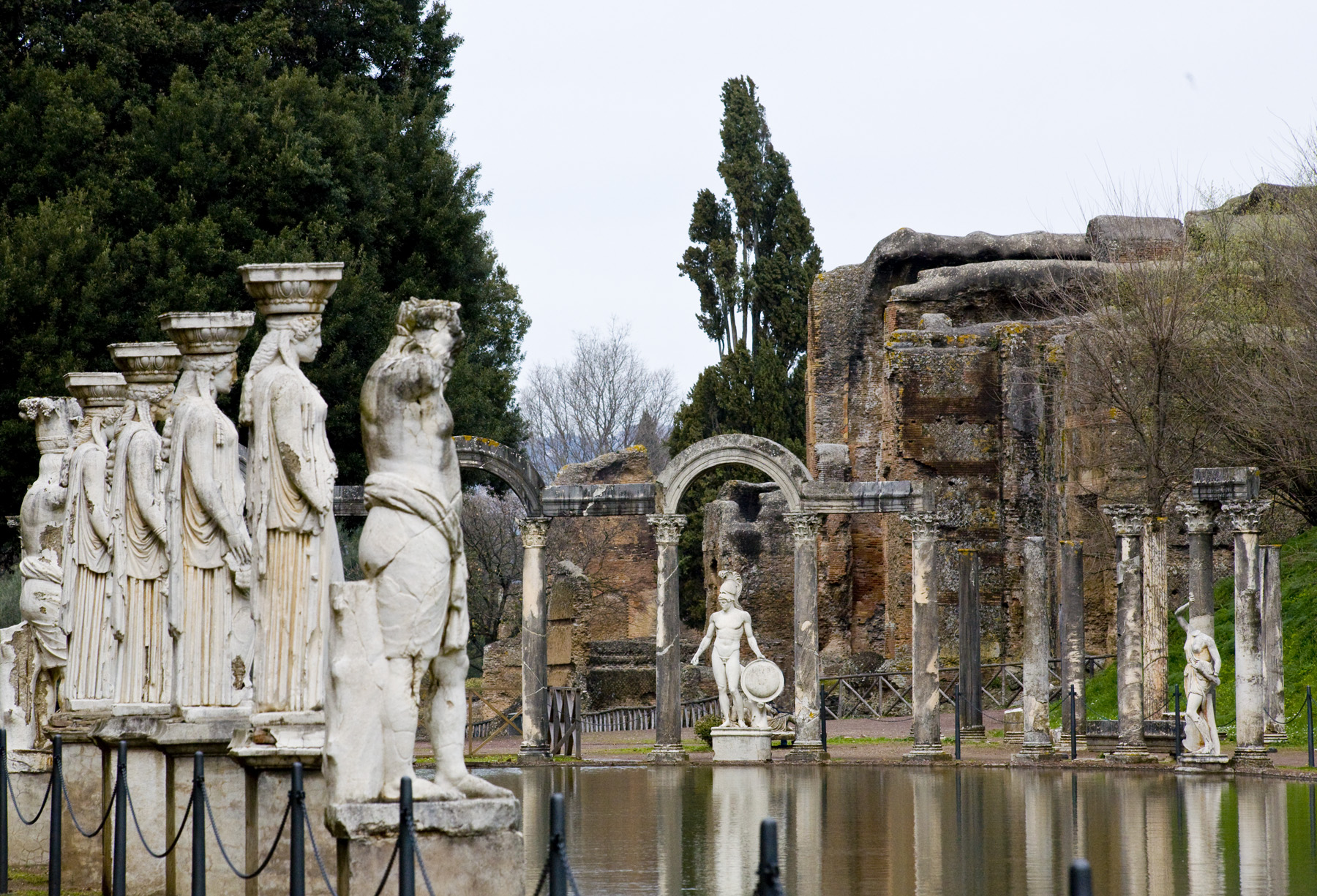 Hadrians-Villa-Lazio-by-Casale-Sonnino