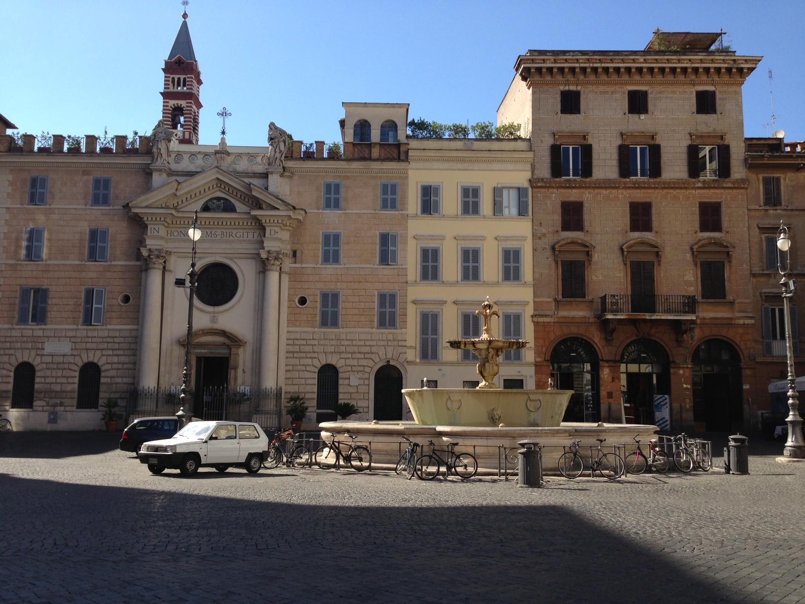 Piazza-Farnese-Rome-by-Casale-Sonnino