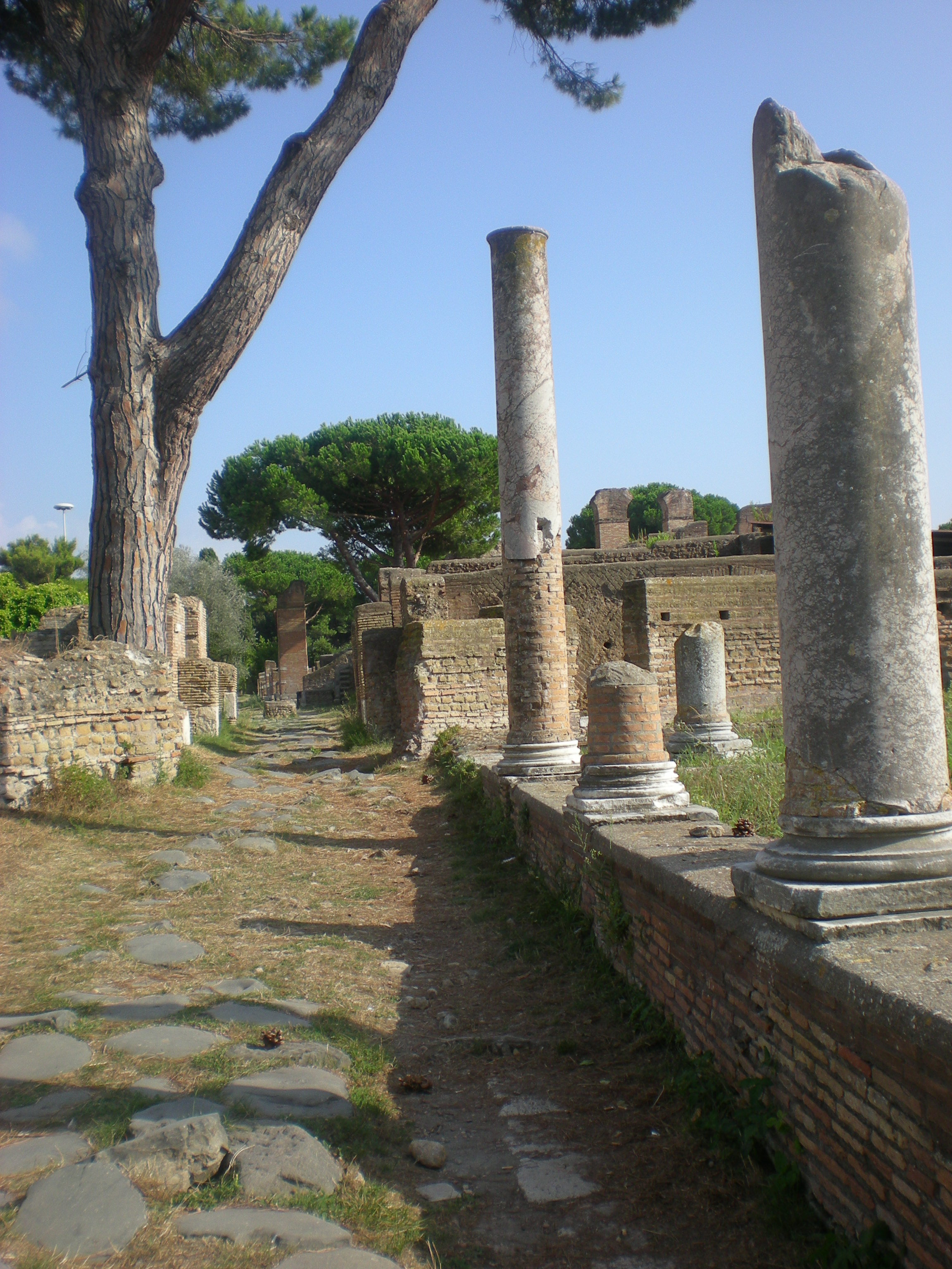 Ostia- Antica-Lazio-by-Casale-Sonnino