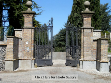 Casale Sonnino Front Gate